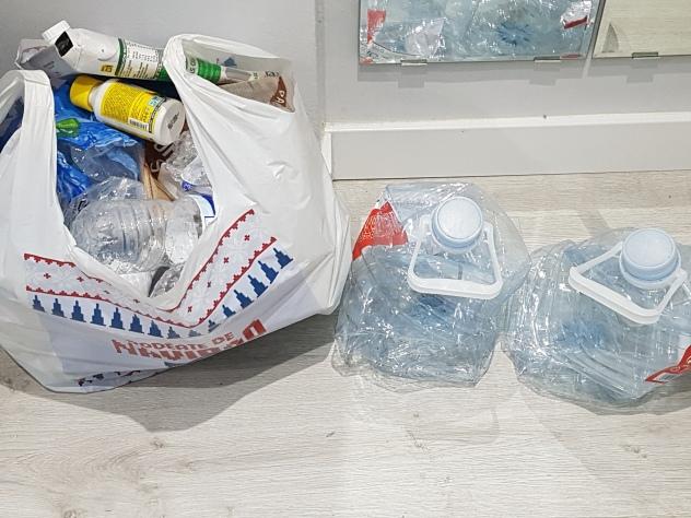 LauRa reciclaje ropa, plático, cables,.. (7)